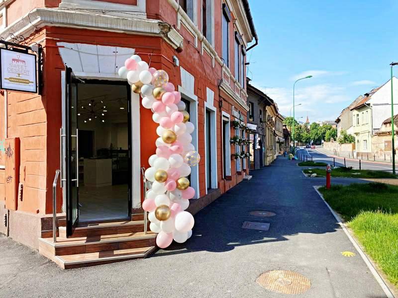 Atrage privirile asupra afacerii tale cu o arcadă de baloane